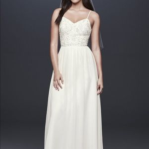NEW! David Bridal Wedding Dress 👗
